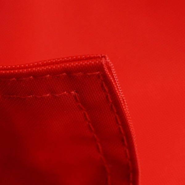 Roter Sitzsack QSack Ecke eingeschlagen